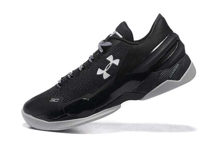 fe1178ae551 ... αθλητικών παπουτσιών. Το βασικό τους στοιχείο είναι ότι είναι ελαφριά,  επομένως ιδανικά για παίχτες που βασίζονται στην ταχύτητα και την έκρηξη.