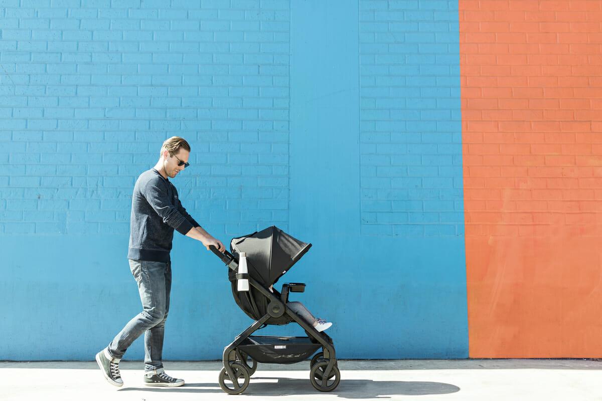 f496b4c6e79 ... καρότσι για τις ανάγκες τους και την άνεση του μωρού. Τα παιδικά  καροτσάκια διαφοροποιούνται ως προς την ποιότητα, τα υλικά, το βάρος και ως  προς τον ...